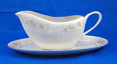 Camelot CARROUSEL 1315 Gravy Boat and Underplate (Relish) 9.625 in. Gray Roses