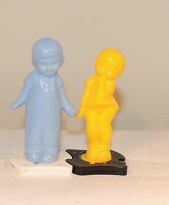 Plastic Boy and Girl Salt and Pepper Shakers (4536)