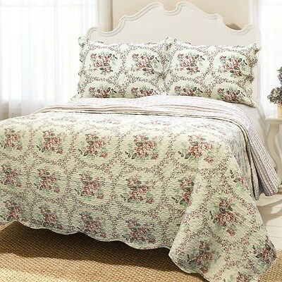 Reminiscent Mood Red 3-Piece Cotton Quilt Set, Bedspread, Coverlet