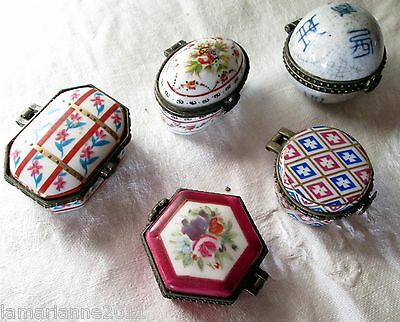 Lot De 5 Pilluliers Boites Signe Porcelaine D Art Porcelain Boxes
