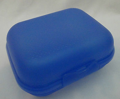 Tupperware Packables Blue Hinged Sandwich Fruit Snack Box