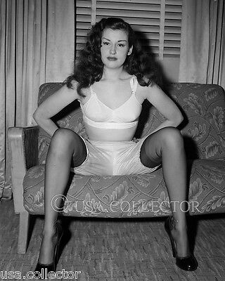 Sally Lane Risque Semi-Nude Pinup Photo From Original Negative Irving Klaw 8406