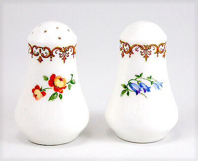 Crown Staffordshire ENGLAND'S BOUQUET F15831 Salt and Pepper Set 3 in. Floral