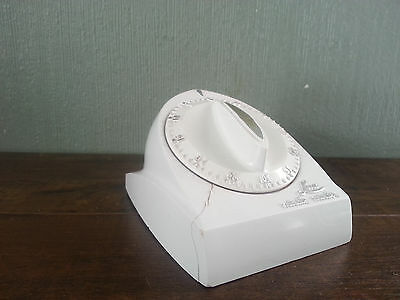 vtg 50s White and Silver Long Ring Lux Minute Minder Kitchen Timer robertshaw !
