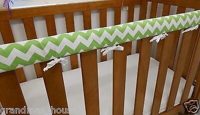 1 x Baby Cot Rail Cover Crib Teething Pad Green Chevron 100% Cotton  *REDUCED*