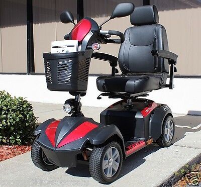 """Drive Medical Ventura Deluxe 4-wheel Electric Mobility Scooter 18"""" Captain Seat"""