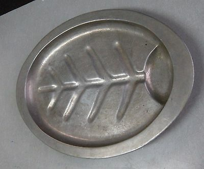BEAUTIFUL VINTAGE PEWTER SERVING PLATTER/TRAY FOOTED OVAL SHAPE
