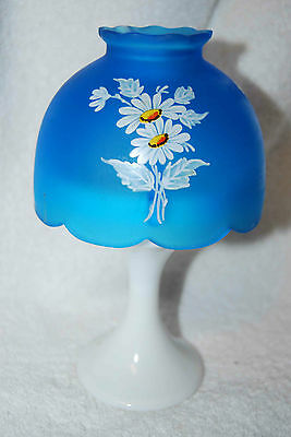 WESTMORELAND SATIN GLASS BLUE FAIRY LAMP WITH HAND PAINTED DAISIES