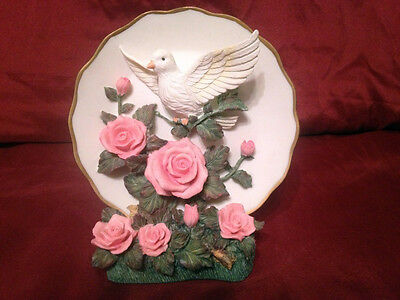 Heritage House Small Plate    Set of 2  Dove and Roses  with  Stand   3D