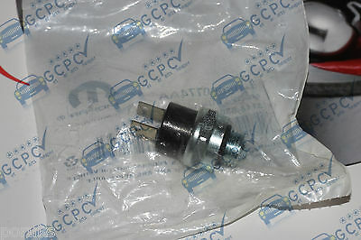 Chrysler Voyager 2.5 / 2.8 CRD BACK UP / REVERSE GEAR LAMP LIGHT  SWITCH 2001->