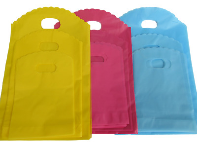 100x PLAIN BRIGHT PINK BLUE FASHION SHOP MARKET GIFT LOOT PLASTIC CARRIER BAGS