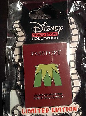 Disney pin collectible Limited Edition Muppets Kermit Hollywood