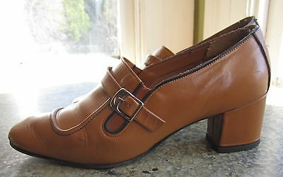 Vtg 1960's MOD camel leather buckle pixie shoes boho chic womans 7 heels