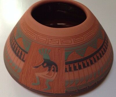 New Mexico Navajo Indian Pottery Hand Etched & Painted Pot! Native American