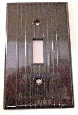 1 Vintage Leviton Ribbed Lines Brown Bakelite Switch Plate Cover Deco Excellent