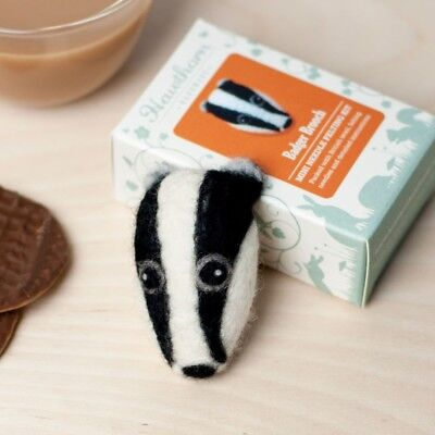 Mini Badger Head Brooch - Needle Felting Kit - Make Your Own British Wool Craft