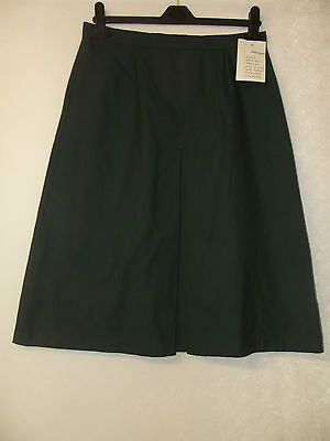 "NEW GIRLS EX JOHN LEWIS GREEN INVERT PLEAT SCHOOL SKIRT 22-34"" Waist Age 9-18 yr"