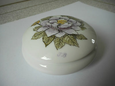Limoges porcelain decorative hand painted trinket box with lid signed