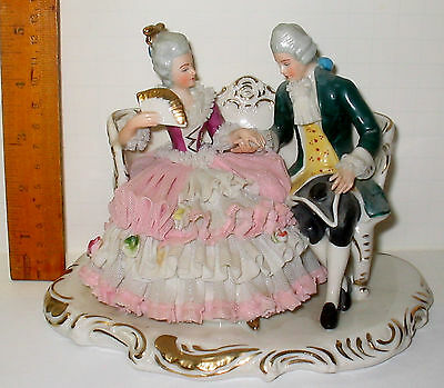 CHARMING VINTAGE WEST GERMAN DRESDEN SMALL PLATEAU COURTING COUPLE FLIRTY FAN