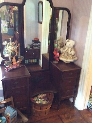 Antique Kelly Furniture 4 Drawer Vanity w/ 3 Panel Mirror Marquetry Accents