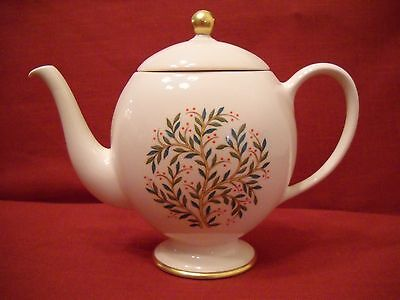 Franciscan FREMONT China Teapot with lid (3 cup) - Leaves & Berries on Branch