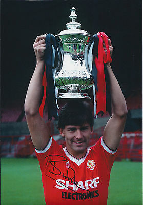 Bryan ROBSON SIGNED 12x8 Autograph COA AFTAL Manchester United Legend RARE