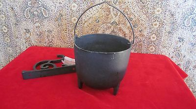 Vintage Cast Iron Bowl Wall Decor - BLACK Made in Taiwan 1960s - all parts Incd
