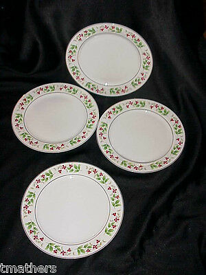4 Royal Norfolk RNF15 Holly/Berry Dinner Plates EXCELLENT