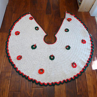 "GREAT Vtg Large 48"" Handmade Crochet Yarn Xmas Tree Skirt Granny Wreath Scallop"