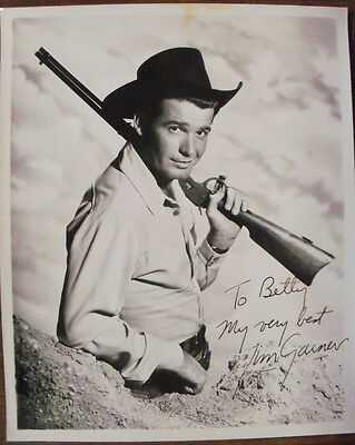 James Garner 8X10 B/W Glossy Signed Vintage Photo