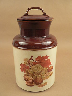 McCoy 253 decorative crock w/ lid milk can style fruit and nuts design