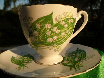 SHELLEY  DAINTY   LILY  OF  THE  VALLEY   *  FOOTED CUP AND SAUCER  * GOLD TRIM