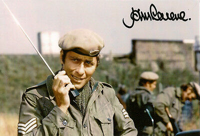 JOHN LEVENE DOCTOR WHO SERGEANT BENTON AUTOGRAPH SIGNED 6 x 4 PRE PRINTED PHOTO