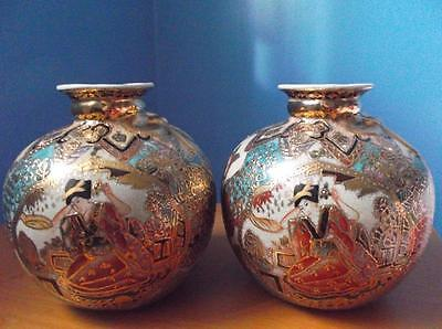 CHINESE VASE PAIR SET HAND PAINTED WITH GOLD