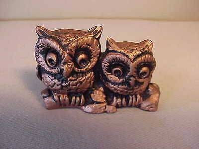 Vintage Little Pair Of Hoot Owls  Copper Ceramic  Figurine....sitting On A Log