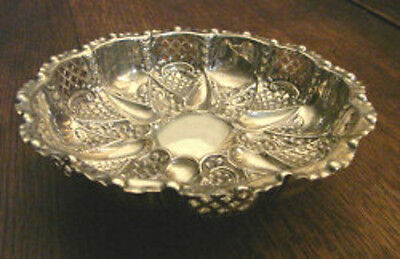 Gorgeous Large Footed Bonbon/fruit  Dish Walker & Hall hallmarked Silver 1905