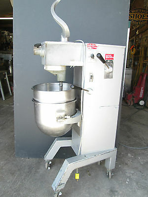 MIXER / 30qt / UNIVEX $1295     >>> FOR SHIPPING INFO call 641 373 0400<<<