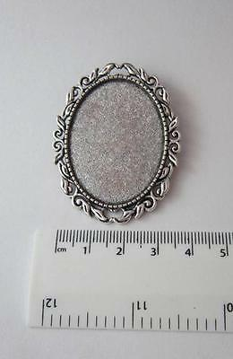 Brooch setting oval frame for 30 x 40 mm cabochon pin back leaf style silver