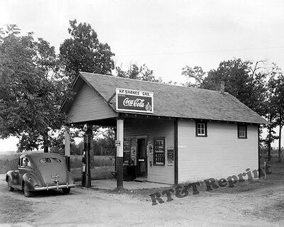 Photograph H.F. Shanes Vintage Gas Station Newton County Missiouri 1941   8x10
