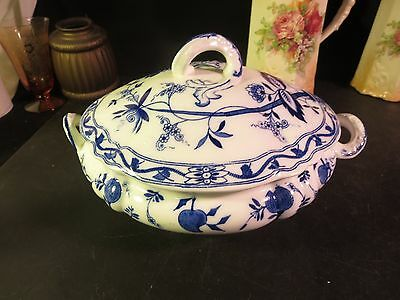 """John Maddock """"Onion"""" Flow Blue Covered Oval Soup/ Vegetable Bowl"""