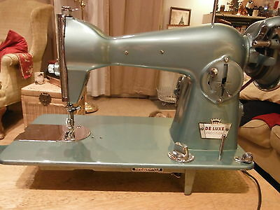 Vintage Deluxe Precision Sewing Machine Model 2000
