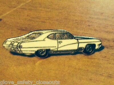 New lapel pin hat pin 1968 Buick GS400 in White
