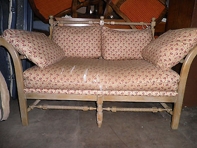 352A LOVELY SETTEE, LOVESEAT,  BENCH