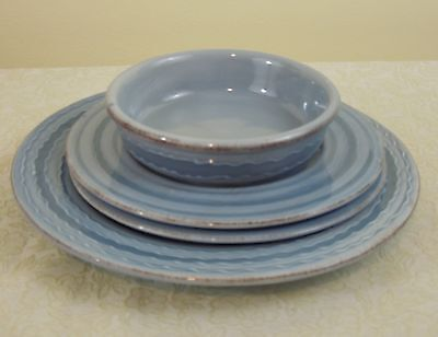 4 PC LAURA CLEMENTI BLUE DINNER PLATE 2 SALAD SOUP BOWL LCL1 EMBOSSED WAVE ITALY