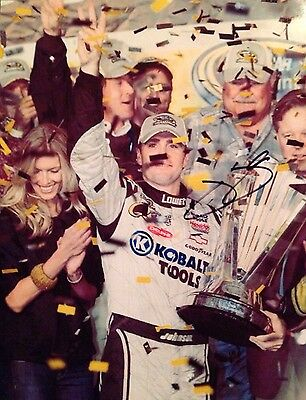 """JIMMIE JOHNSON - SIGNED - NASCAR LOWES - 8"""" X 10"""" PHOTOGRAPH"""