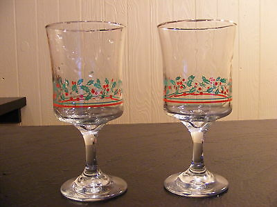 2 Arby's 1985 Holiday / Christmas Collector Goblet Glasses Holly Leaves Berries