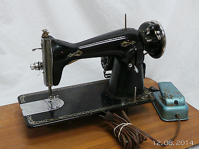 Vintage Heavy Duty Leather Upholstery Sewing Machine Serial A52723 With Pedal