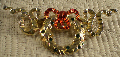 VINTAGE CHRISTMAS HOLIDAY WREATH PIN BROOCH GOLDTONE ENAMEL RHINESTONES