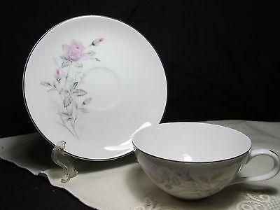 Fine China of Japan Romance Rose  Cup and Saucer Sets   Set of 4  MINT
