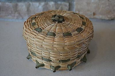 Handcrafted Covered Basket Woven by Seneca Nation of Indians Mohawks N.Y.